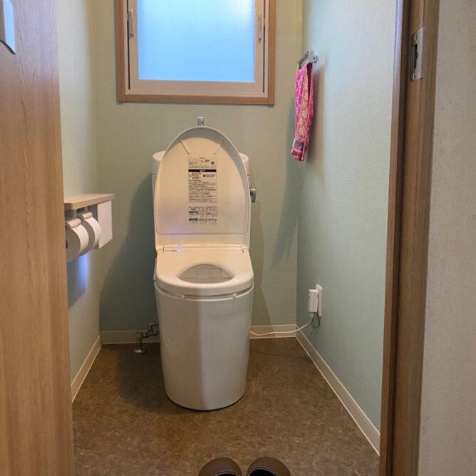 階段下のトイレをリニューアル