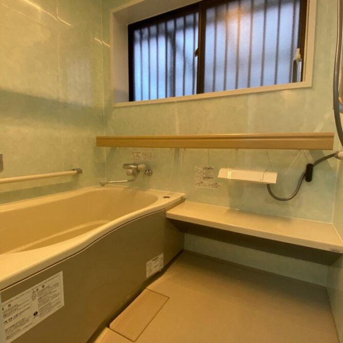 タイルも凍る浴室を…